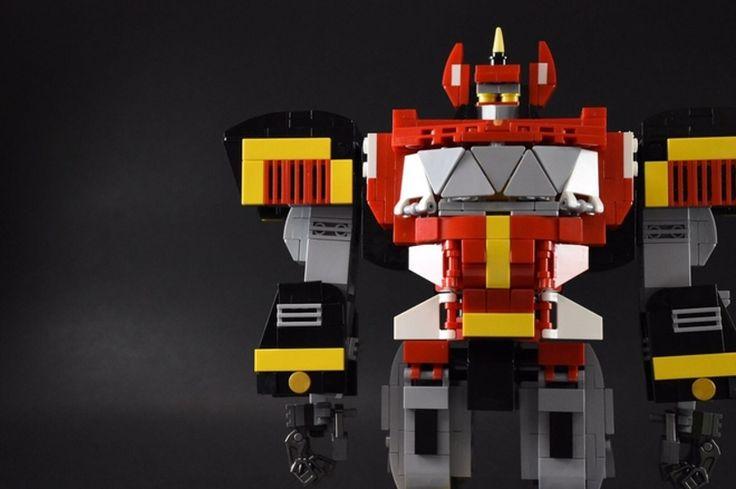 LEGO Fan Builder Recreates the Original Power Rangers Megazord