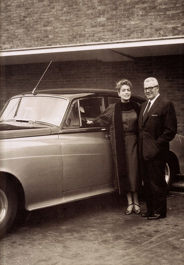 JOAN CRAWFORD & her husband ALFRED STEELE (CEO of Pepsi-Cola) with their Rolls-Royce in 1958 (please follow minkshmink on pinterest) #joancrawford #alfredsteele