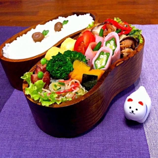 おはようございます♪  今日のお弁当⊚⃝⸜(ू´•͈ω•͈⑅) 卵焼き.ウィンナー.プルコギ風野菜炒め.オクラのハム巻き焼き.蒸しかぼちゃ.春雨の中華風酢の物.ブロッコリー.プチトマト.付合せ野菜  今日はいつもより30分早く起きたので、ヨユーで詰め上がりました〜!( ๑˃̶ ॣꇴ ॣ˂̶)♪ 最近は、早くしなきゃ!と、焦って卵焼きを焼いたりしてたから、お肌ガタガタฅ(๑*д*๑)ฅ‼の卵焼きになってたけど、今日は少しイイ感じに?( ´罒`*)♡と、気持ち↑にしたいとこだけど、自分地方は雨… 下がる〜…꒰๑•ૅૄ•๑꒱՞՞ - 126件のもぐもぐ - プルコギ風野菜炒め弁当 by りえ