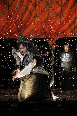 "Mansai Nomura (front) and Keitoku Takata bring Shakespeare's ""Macbeth ..."