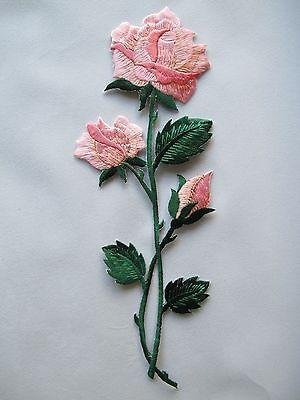 Rosa Flor Rosa W/green hojas bordado Hierro en apliques Parches