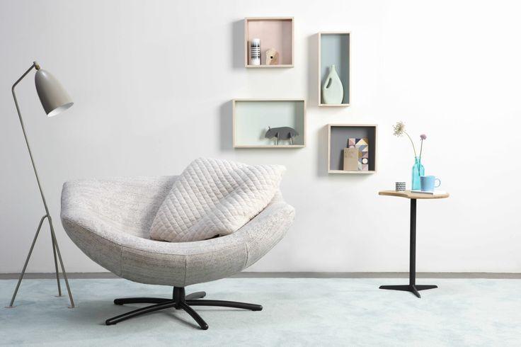 LABEL | Design by Gerard van den Berg. Easy chair Gigi. Upholstered in Nevada fabric (De Ploeg). Cushion in Cross fabric (Innofa)