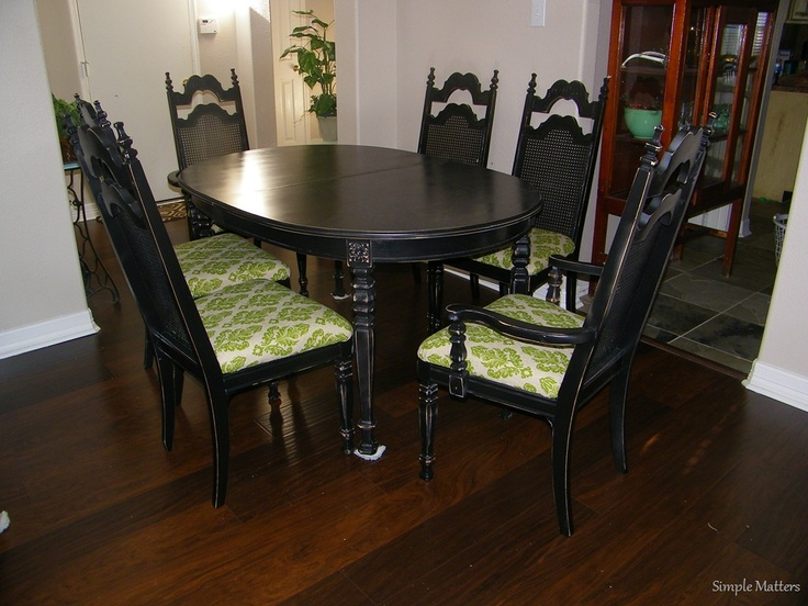 Black Distressed Vintage Dining Set