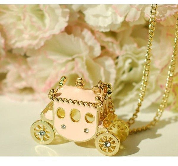 Retro Sweet Delicate Pale Pink Pumpkin Carriage Rhinestone Necklace
