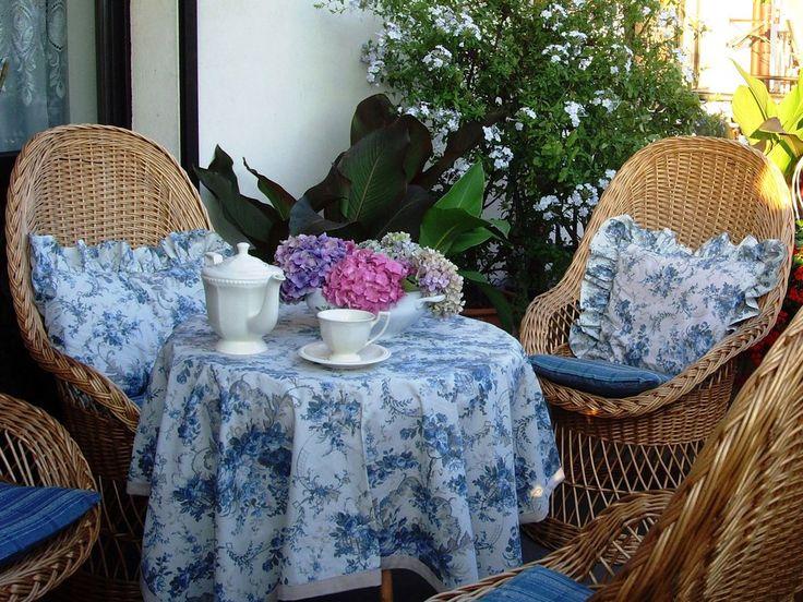 Rośliny i ogród, I tak mija sierpień... - Też kolorowo, ale w odcieniu lawendy i błękitu, tarasowego lenistwa i w smaku lodów.