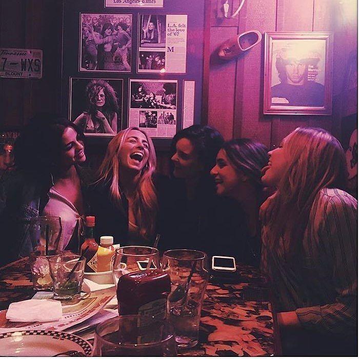 @billboard: Current mood.  @billboard: Estado de ánimo actual.  #SelenaGomez #Selena #Selenator #Selenators #Fans
