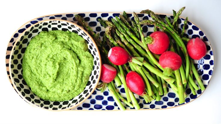Green Glowing Sweet Pea Dip to Make this Weekend