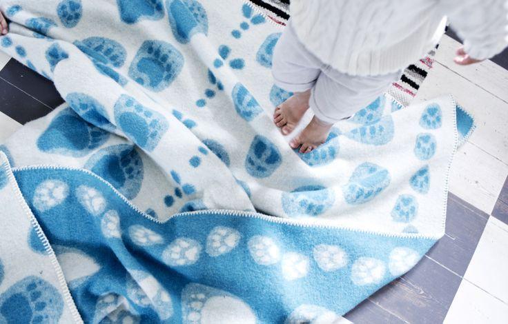 TAIVALTAJAT blanket 100% wool  Design Laura Laivamaa. Made by Lapuan Kankurit