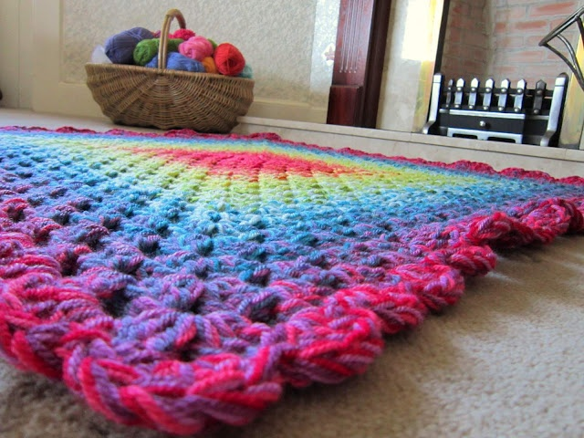 love the concept- will have to try this, instead of variegated yarn.