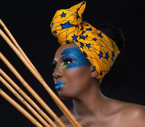 Belle gabonaise, foulard, make-up, headwrap, headscarf