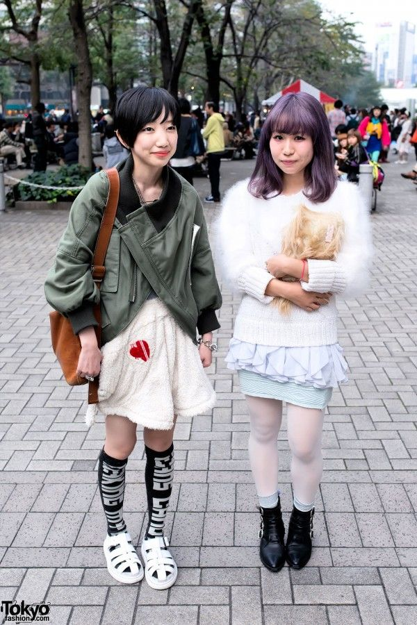 Omino (on the left with the striking jacket) and Kyon (on the right with lavender hair) in Shinjuku.