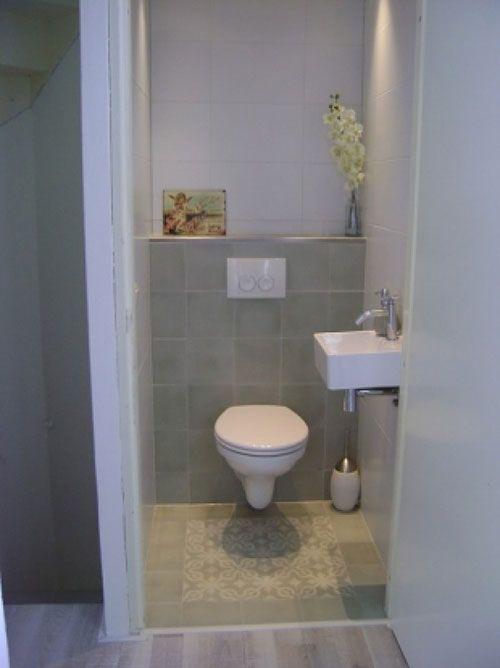 Toilet met decor tegels