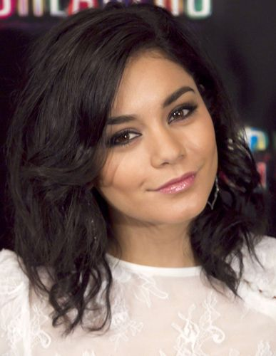 Vanessa Hudgens' Hair & Makeup At Spring Breakers Madrid Event ...