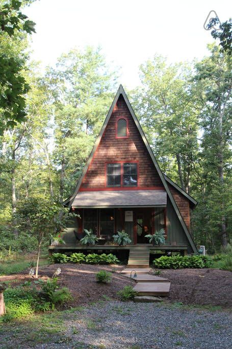 Check out this awesome listing on Airbnb: Gum Tree Lodge in Gordonsville