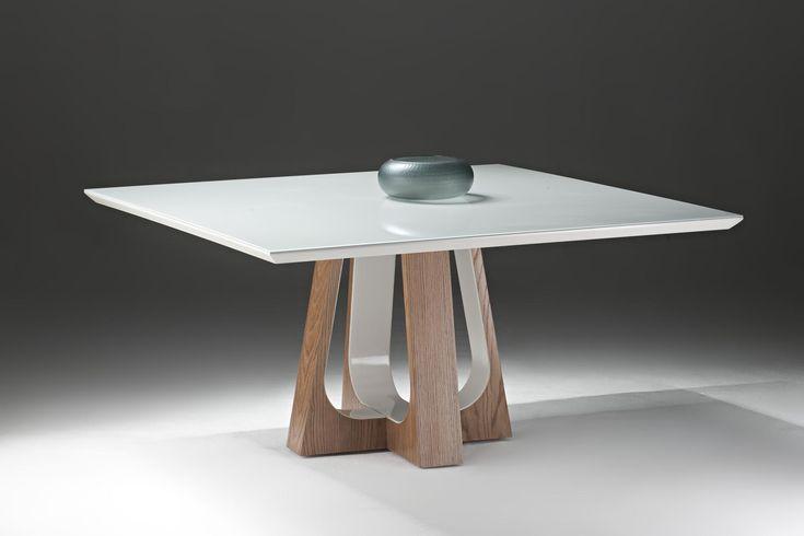 Mesa de Jantar - Maria Alice Decorações - Tampo de vidro laqueado e base de madeira com parte do acabamento laqueado