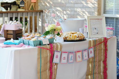 Love these table runners, seem easy enough to make-even for me!!