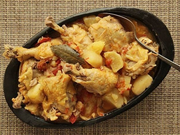 The pressure cooker is a central part of the cuisine of the Colombian Andes. This extraordinarily simple chicken and potato stew uses just five ingredients (ok, seven if you count salt and pepper), but the flavor that comes out after a brief cook under pressure is complex, rich, and filling.