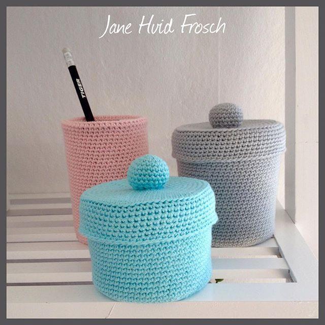 Lidt til opbevaring af småting   #mnt #pink #grey #crochetdecor #instacrochet #homemade #hobby #hækleprojekt #hæklehygge #hækle #crocheted #hæklepynt
