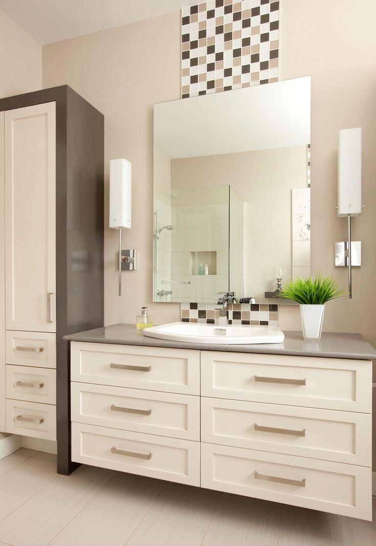 Insertion de mosa que de verre derri re le miroir de la for Miroir mosaique