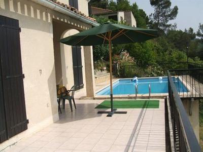 Belle provençale 2 pièces indépendant avec piscine, clim réversible dans toutes les pièces terrain arboré de 1700 m² à 5 minutes de Carros e...200m2 529 000