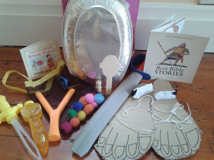 David and Goliath Story Bag---love the idea of pom poms for stones so we don't lose an eye:)