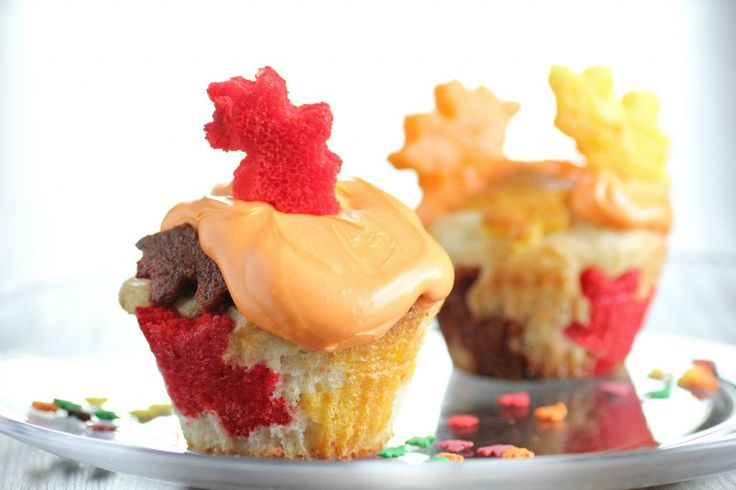 How to make fall leaf cupcakes • CakeJournal.com