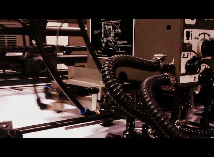 Ya tenemos la nueva máquina con tecnología Offset a pleno funcionamiento para ofrecer los mejores productos gráficos !
