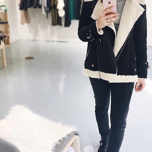 The Aviator Jacket 👌🏻 Black Friday Deals still on!! Here 12 to 5 on Sundays 💕💕  .  .  .  .  .  .  .  #unicorniostudio #fashionboutique #womensfashion #winteressentials #ootd #lookbook #ootdfashion #winterlooks #outfitselfie #yyt #shoplocal #shopsmall