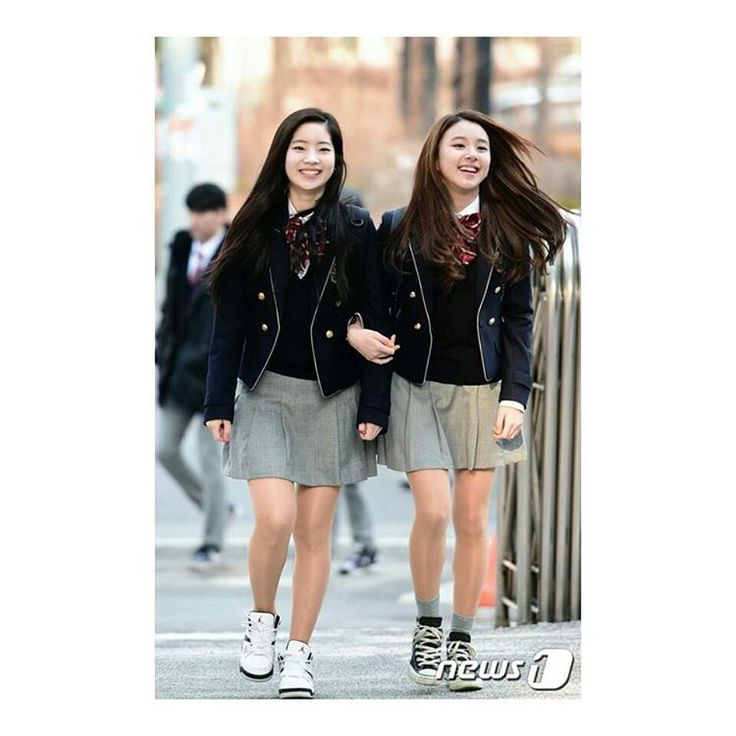 nah i cant wait to go to school next week even i can feel the awkwardness thing right now menyesal jgalh buat perngai last year kn sdh kna padan muka #kpop #twice #jyp #jypent #jypnation #chaeyoung #dahyun #sonchaeyoung #kimdahyun #once #school #uniform