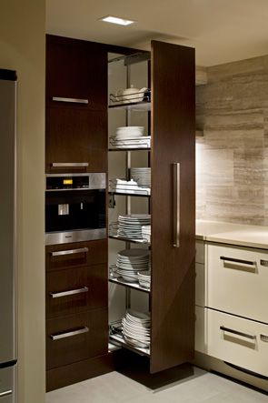 kitchen1pantry_march2011.jpg 295×443 pixeles