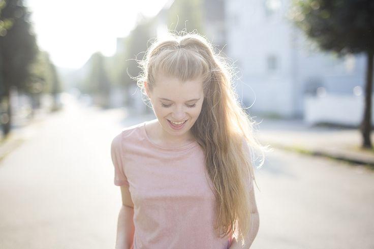 krist.in antrekk rosa tskjorte