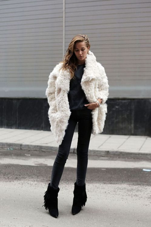 Pin By Lookastic On Fur Coats Fashion Street Style