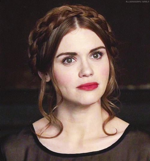 Lydia Martin Hairstyles - Milk-maid braid (hair not long enough)