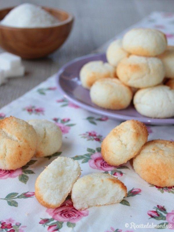 Ricetta biscotti al cocco morbidi