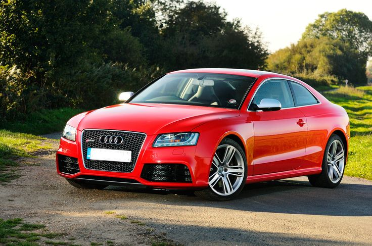 Audi rs5 hire service to make your event memorable for
