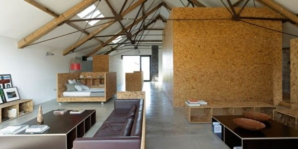 Residential building Ochre Barn. Charming low-budget conversion of a barn in the English provinces