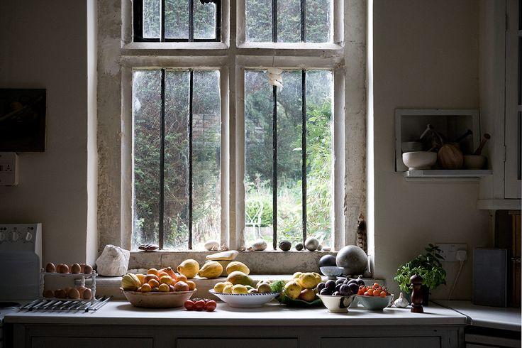 Antique windows: Gorgeous Things, Kitchens, Interior, Fruit, Inspiration, Kitchen Window, Windows, Light