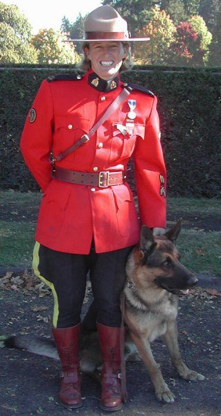 RCMP dog handler wearing dress uniform in Stanley Park, Vancouver, BC, Canada for BC Law Enforcement Memorial Ceremony, 2007, photo by PoliceHotels.com