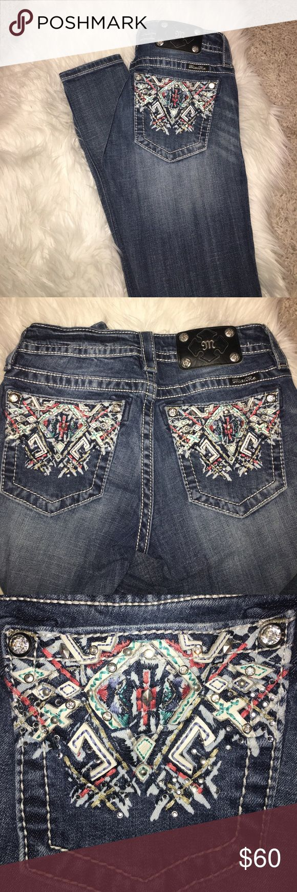 Girls Miss Me jeans Girls miss me jeans size 25 these are mid-rise skinny beautiful detailing on pocket great condition with some distressing Miss Me Jeans Skinny