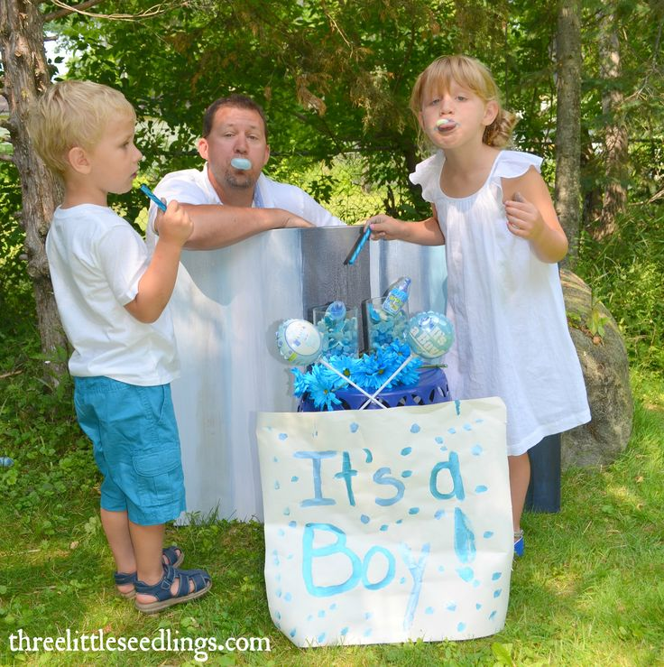 Do your own gender announcement photo shoot. Great outdoor photography tip…