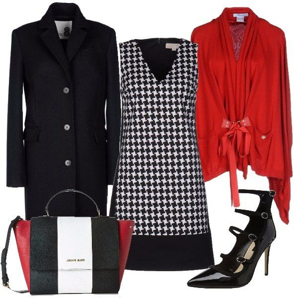 Un look bianco e nero può essere spezzato da dei capi color rosso come ho fatto in questo outfit dove il vestito bianco e nero, il cappotto nero e le décolleté con cinturini nere vengono ravvivati dal cardigan rosso e dalla borsa multicolore. Come tocco in più vi consiglio un bel rossetto rosso.