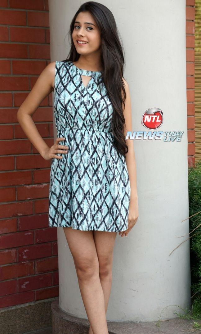 Watch this cute #HibaNawab beautiful girl from TV Serial Jija Ji Chhat Per Hain Hiba Nawab has also played Amaya in Tere Shaher Mein on Colors TV
