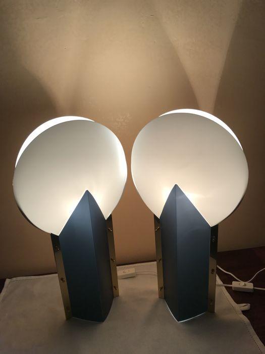25 beste idee n over blauwe lampen op pinterest woonkamerlampen en glazen tafellampen - Cm breedte van de basis tabel ...