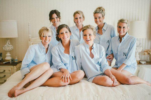 Noiva e madrinhas de camisa social