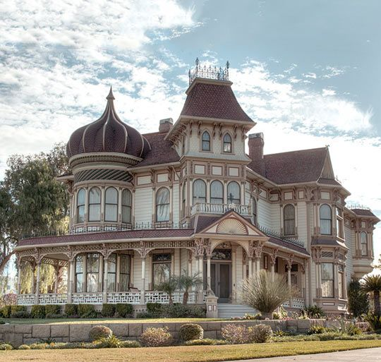 Beautiful Victorian Home In California - I have always wanted to live in Cali