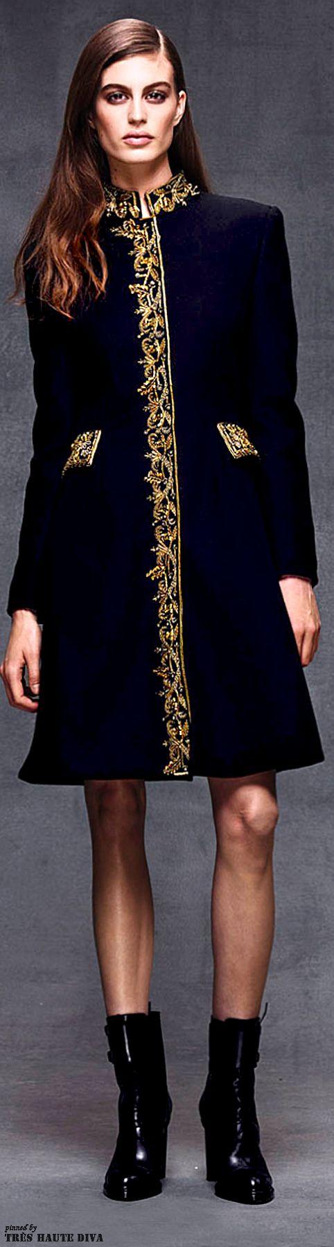 Alberta Ferretti Pre-Fall 2014 www.vogue.com/...