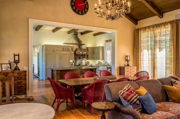 Photography by Steve De Fields / Interior Design by Tommy Chambers Interiors, Inc. \  Architect David Serrurier of Serrurier Architects & Assoc., /  Inc. Builder Andrew Stasse Co.