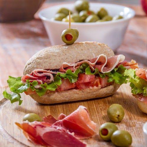 Con tus panes HOME BAKERY de BredenMaster puedes hacer de un almuerzo rápido, un momento especial y delicioso. ¡Disfruta!