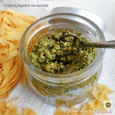 Il pesto di fagiolini con nocciole sostituisce egregiamente il classico pesto alla genovese, per dare sapore alle nostre preparazioni.