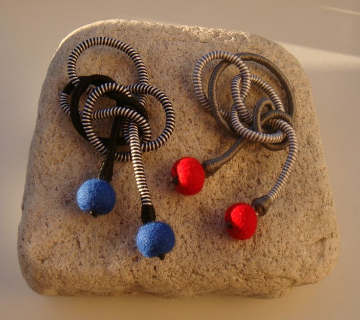 brooches with silky yarn and felted balls